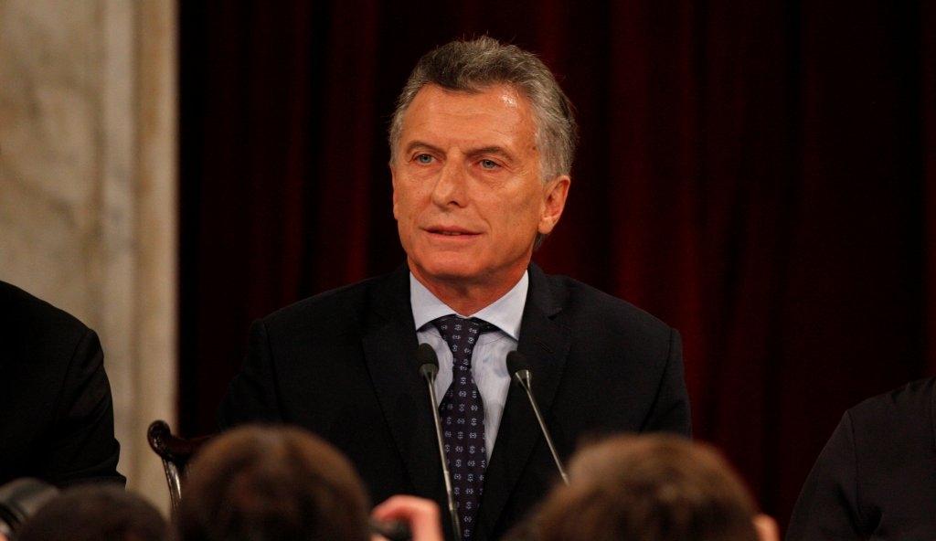 Macri toma juramento a los nuevos ministros de Agroindustria y Salud