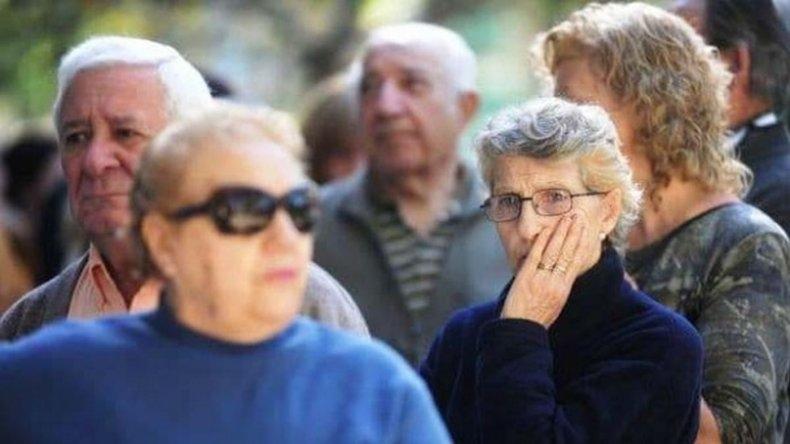 El bono para jubilados salió publicado en el Boletín Oficial — Reforma previsional