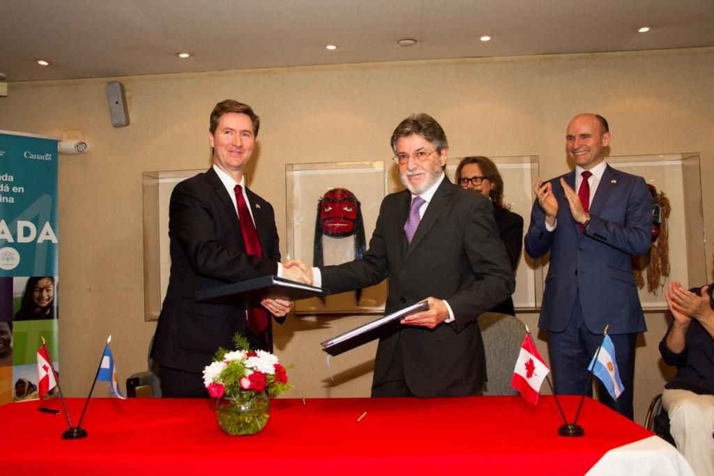 Argentina y Canadá firmaron acuerdo aduanero