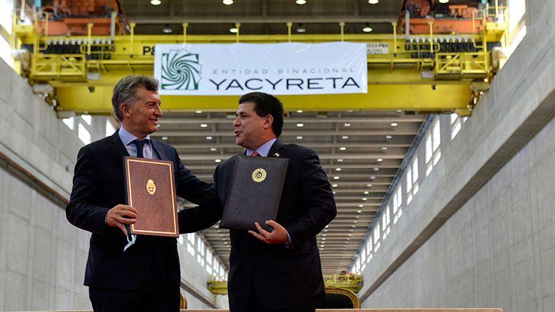 Macri en Paraguay: acuerdo por la deuda de Yaciretá