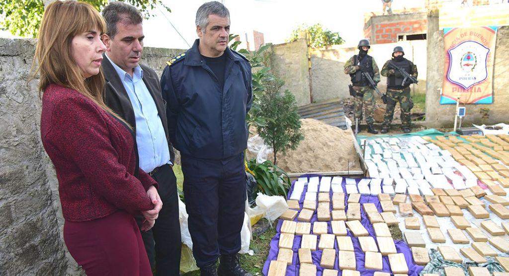 Secuestran una tonelada de marihuana en Quilmes — Golpe al narcotráfico