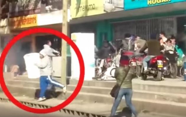 De película: Creyó que estaban saqueando un local, entró y quedó detenido