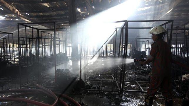 Bangladesh | Explosión en fábrica textil deja 8 muertos
