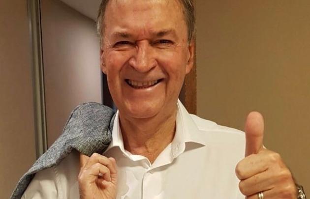 Cumplió su promesa de campaña: Schiaretti se afeitó el bigote