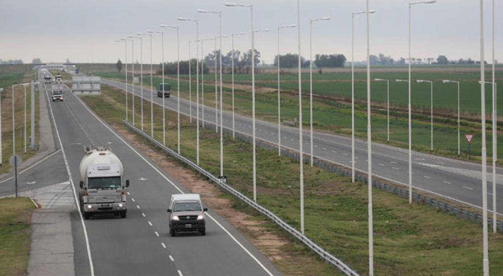 Rosario: Tres muertos en accidente de autopista Córdoba