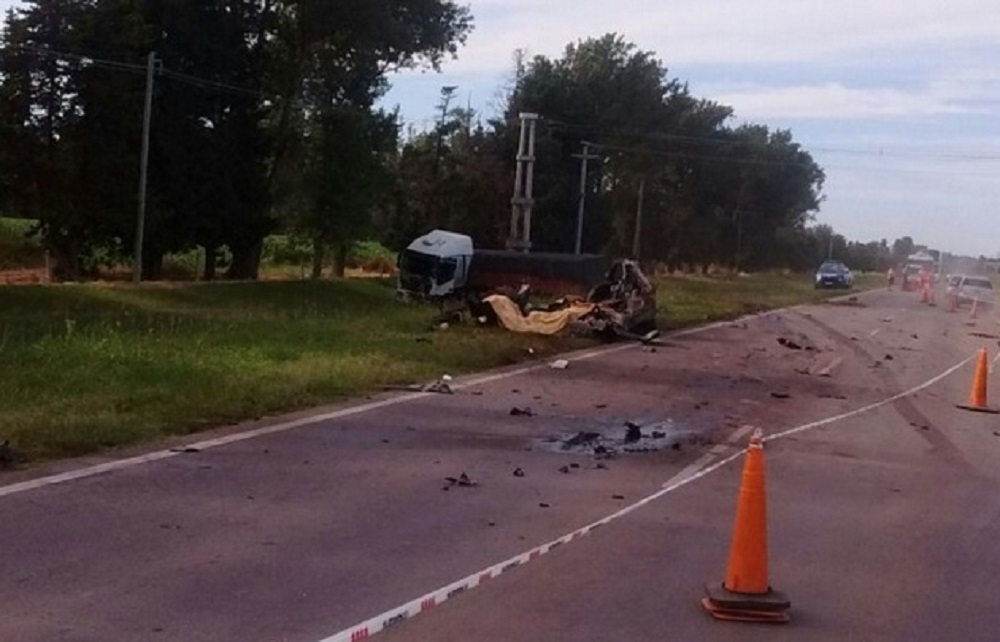 Terrible choque en Totoral deja cuatro víctimas fatales