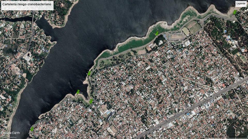 Colocaron carteles de medición del lago en la costanera