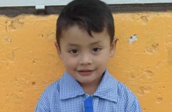 El niño que recibió un piedrazo sigue internado