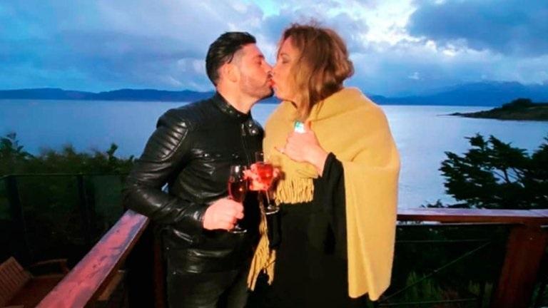 El novio de Lizy Tagliani le pidió matrimonio en vivo