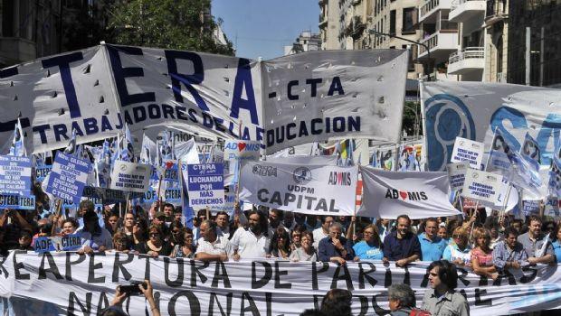 Macri busca alternativas para lograr la reforma