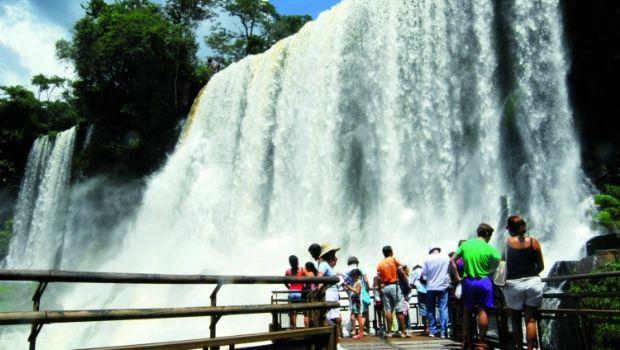 Récord histórico de turistas en las cataratas del Iguazú