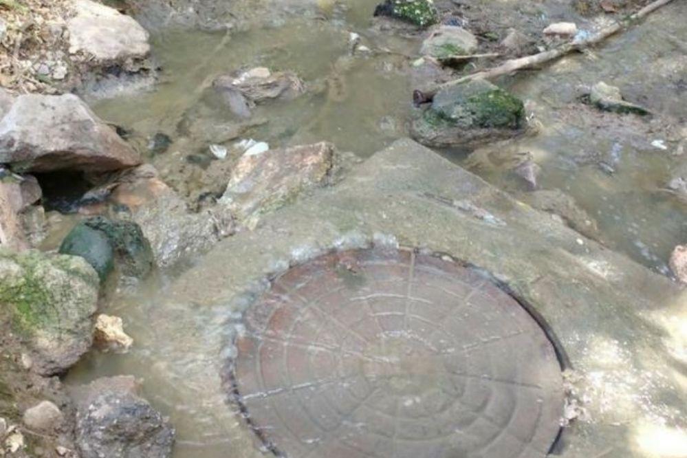 Huerta Grande: Los líquidos cloacales siguen contaminando el lago San Roque