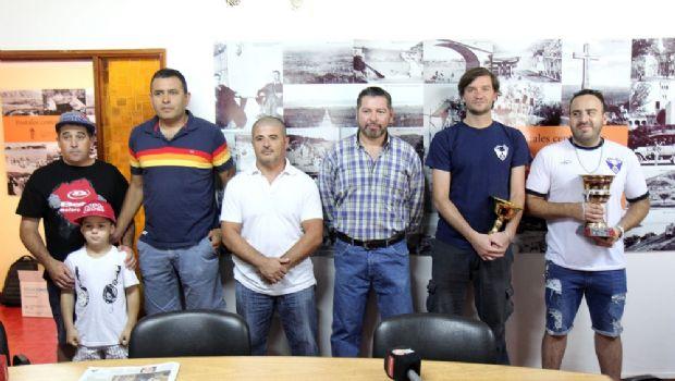 Entregaron estímulos y ayudas económicas a deportistas de Carlos Paz