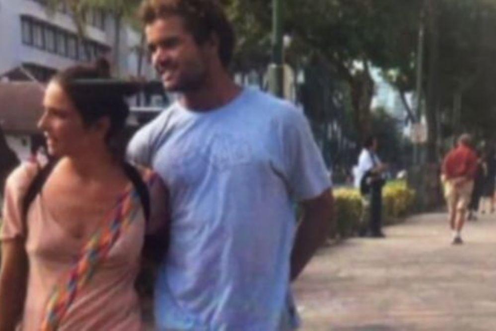 ¿Juanita Viale enamorada en Hawaii?