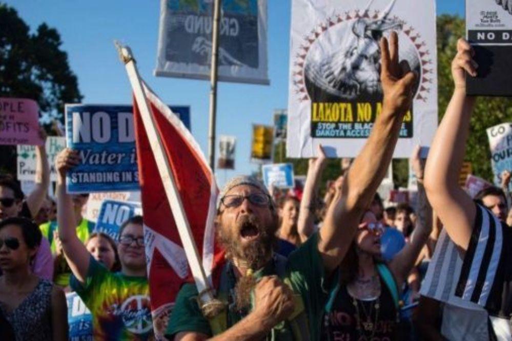 Marcha indígena en Estados Unidos contra Trump