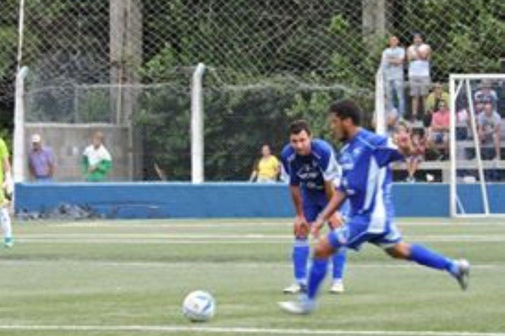 Atlético Carlos Paz arrancó con el pie izquierdo