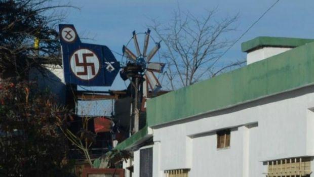 Alta Gracia: Secuestran elementos nazis de una vivienda