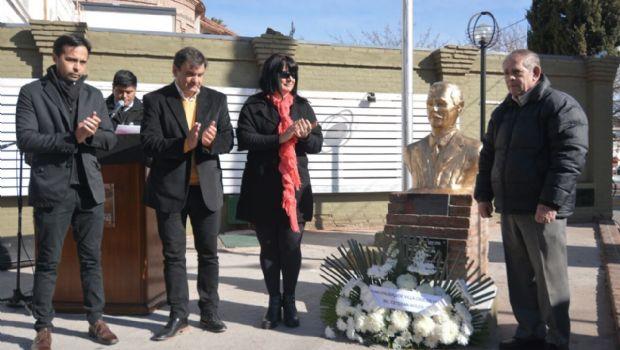 Carlos Paz celebró sus 104 años con una fiesta popular