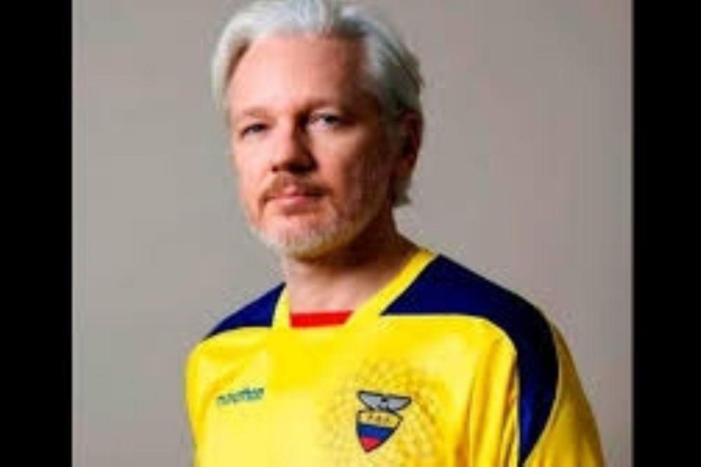 Julian Assange ya es oficialmente ecuatoriano