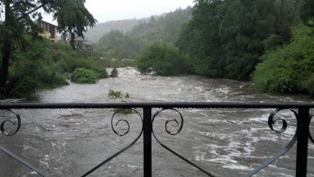 Recomiendan precaución ante la crecida de ríos serranos