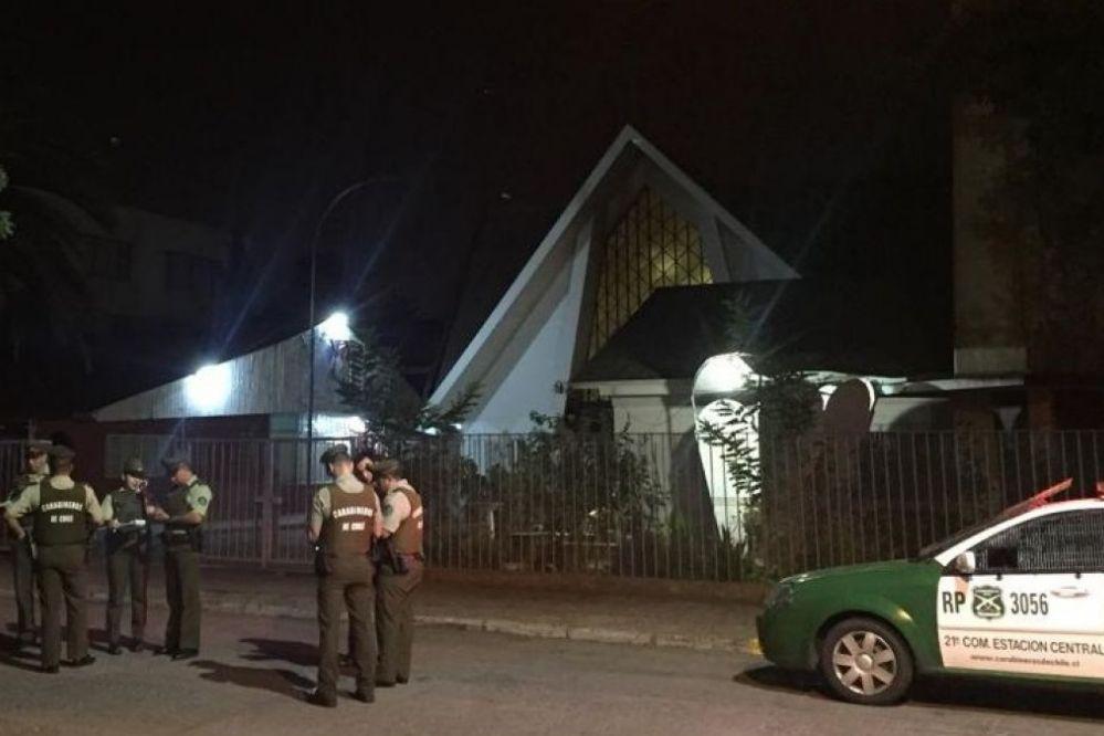Atacan tres iglesias en Chile ante la inminente visita del Papa
