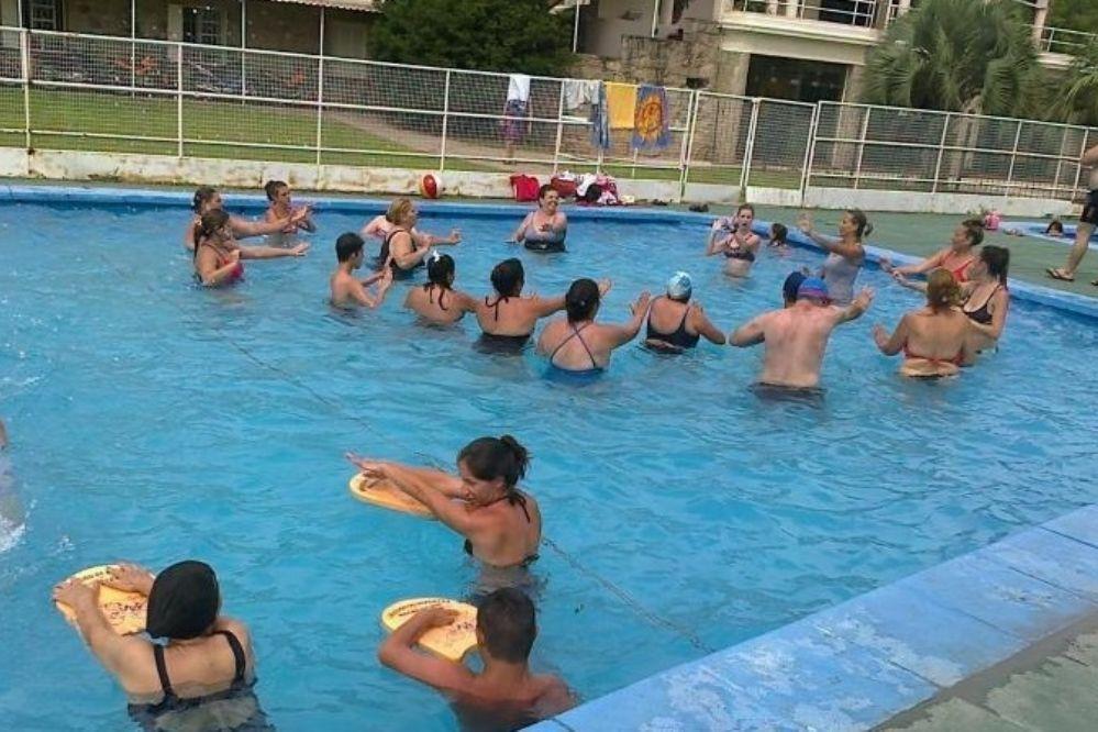 El lunes comienzan las clases de natación en la pileta municipal