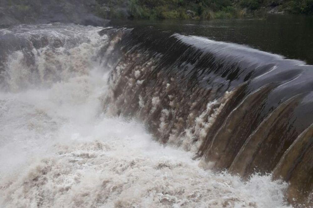 Tras las últimas lluvias, una creciente entró al río San Antonio