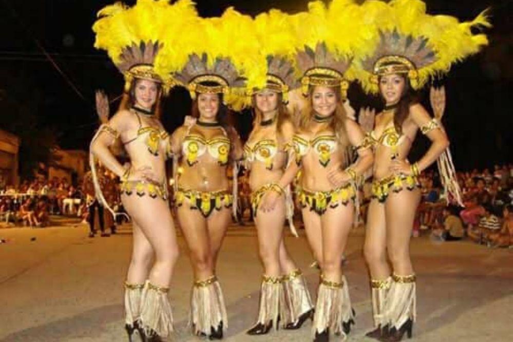 Colonia Caroya sigue con otra jornada carnavalesca