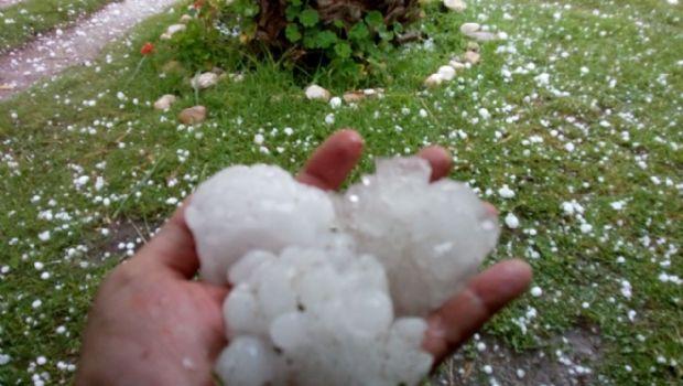 El granizo causó estragos en Carlos Paz y las comunas del sur de Punilla