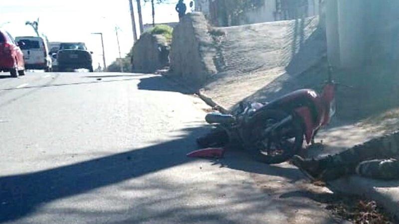 Trágico: Murió un motociclista en un accidente en la Avenida Cárcano