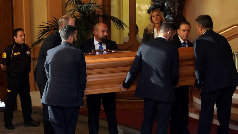 Despiden los restos de Camilo Sesto en Madrid