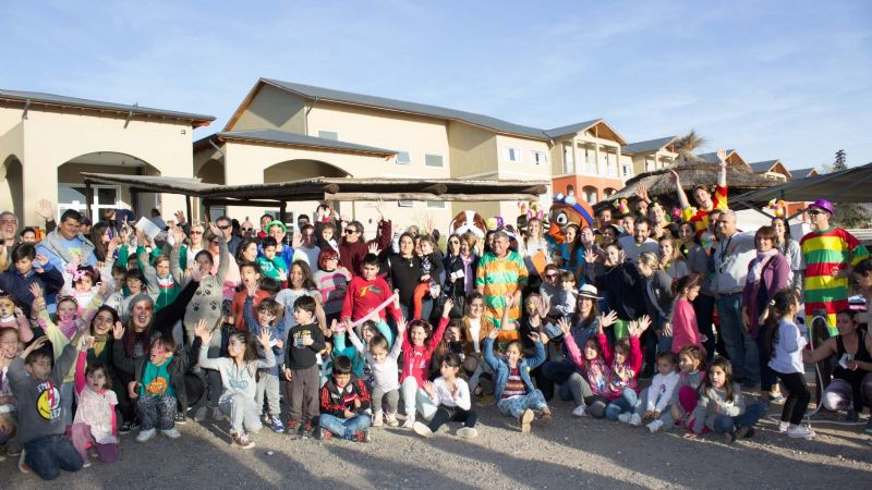 «Howie´s Spring Party»: Juegos y zumba a beneficio en el Howard Johnson