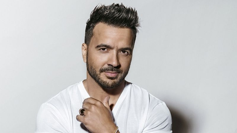 Fonsi arrasa en YouTube con «Vacío»